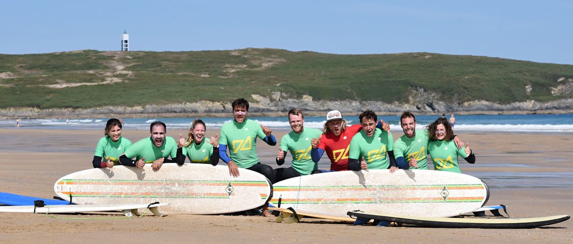 Camino Surfcamp Spain Galicia Students with teacher on the beach